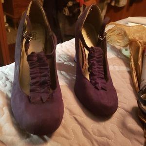 Vintage inspired purple heels